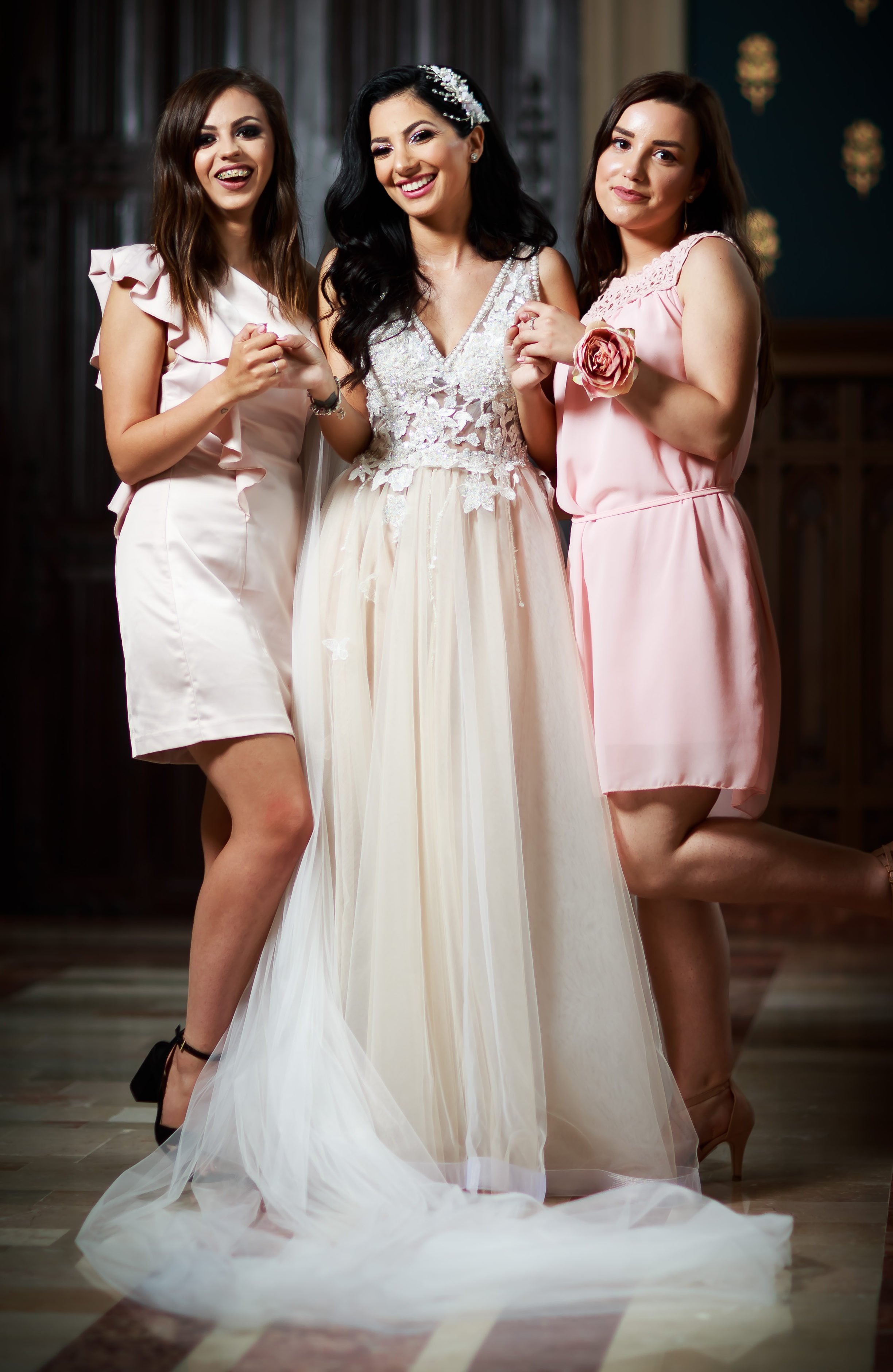 How to glam up your wedding?