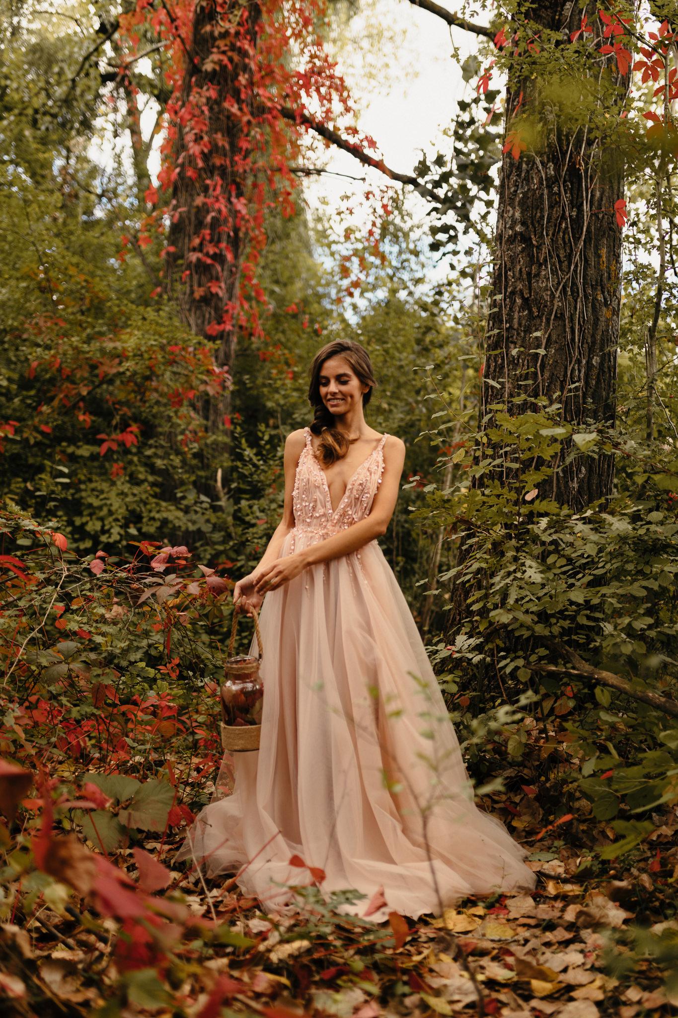 Oana Nutu Loretta peach piersicuta tul rochie seara rochie ocazie rochie designer Oana Turcescu broderie glam2 (1)